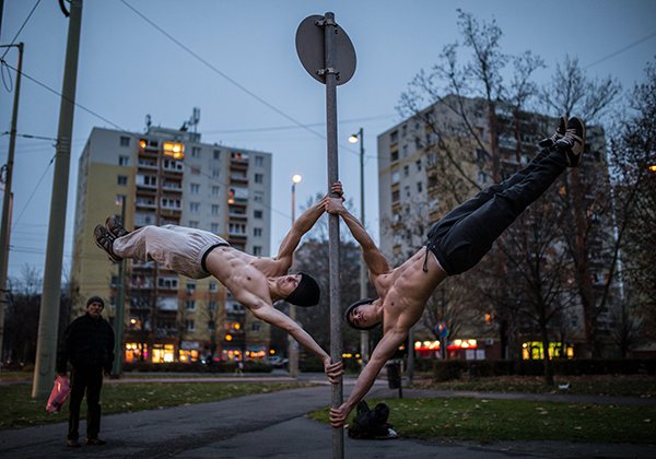 Street Workout là gì? Những ưu điểm của Street Workout so với Gym