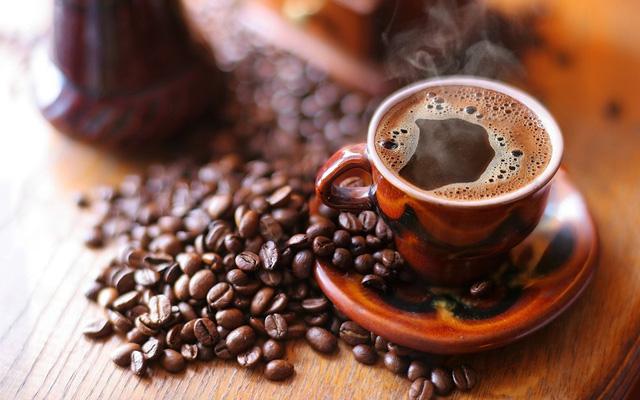 5 thói quen uống cafe không tốt